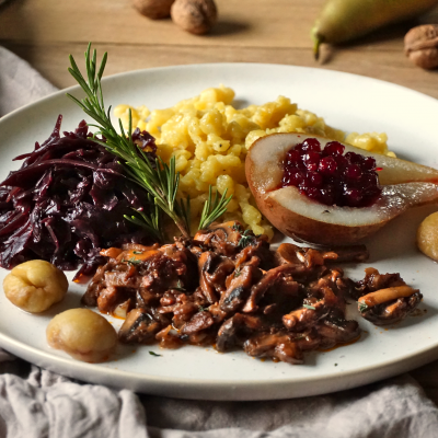 Mushrooms, Autumn, Traditional, Pear, Red Cabbage, Spätzle, Chnöpfli, Foodporn, Restaurant worthy, Recipe, Vegan, Best ever, Swiss